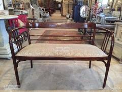 Antik bútor, jelzett Thonet pad felújított.