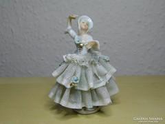 Unterweissbach csipkeszoknyás táncoló dáma