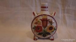 Pajzspecsétes Zsolnay porcelán kulacs