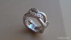 Különleges, gyönyörű fonású ezüst gyűrű cirkonkövekkel