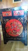 2 fekete-piros kínai faszekrényke, arany kézi festéssel