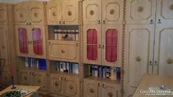 Koloniál szekrénysor, dohányzóasztal, komód és ágyneműtartó