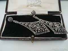 Gyönyörű antik méretes ezüst fülbevaló rengeteg markazittal