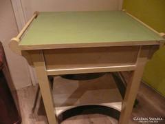 Különleges antik fedeles mosdó asztalka eladó