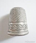 Régi ezüst gyűszű