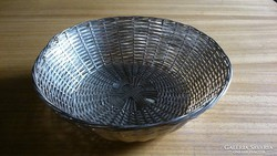 Fonott kosár - fémből