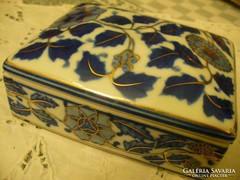Porcelán szépséges ékszeres doboz