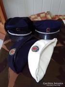 Rendőr sapkák vegyesen 4 db