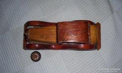 Régi autó makett fából