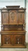 Gyönyörű antik faragott dió tálaló szekrény!