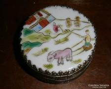 Kínai kézi festett porcelán tetővel illatszeres doboz