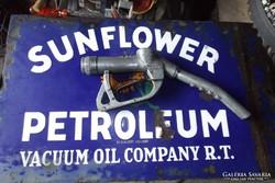 Retro Veterán bezzinkút olaj kút üzemanyagtöltő pisztoly