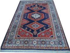 Kaukázusi mintás gyönyörű szőnyeg 197x132