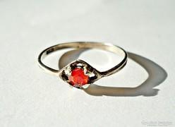 Piros köves 925-ös ezüst gyűrű