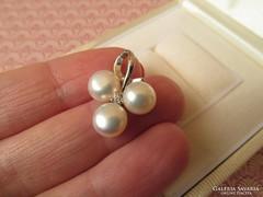 Tenyésztett gyöngyös ezüst medál - cirkónia kővel - új