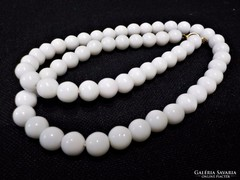 Fehér porcelán nyaklánc