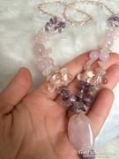 Csodálatos rózsakvarc,ametiszt és hegyi kristály nyakék