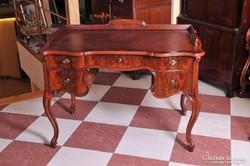 Neobarokk íróasztal, restaurált állapotban, 19. század
