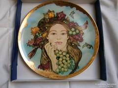 Hollóházi porcelán fali tányér, Faragó Miklós kollekció: Ősz