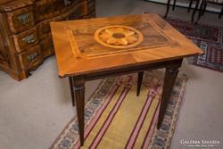 Intarziás kártyaasztal