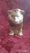 Porcelán oroszlán