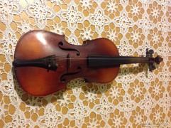 Szegedi Hangszerkészítő gyári hegedű