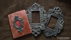 Ezüst keretek miniatűr képekhez.