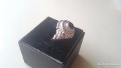 Gyönyörű Antik ezüst gyűrű onix kővel.