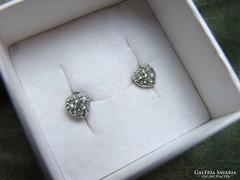 Szívecskés ezüst fülbevaló cirkon kövekkel