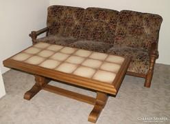 Eladó német rusztikus kanapé fotelokkal és dohányzóasztallal