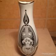 Hollóházi Jurcsák váza 25 cm magas