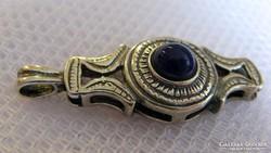 Antik ezüst medál kékes-lila lápisz kővel
