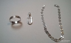 925 jelzett Ezüst gyürű,függő,karkötő 3 db,külön is eladó!
