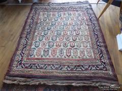 Régi perzsa szőnyeg