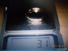 9 K Arany Gyűrű 7 db Brill Kővel