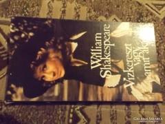 William Shakespeare könyv !