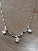 Izraeli ezüst nyaklánc szikrázó kristály kövekkel