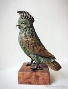 Különleges kidolgozottságú hibátlan bronz szobor