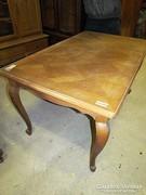 Neobarokk asztal + 6db szék