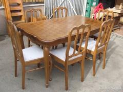 Bővíthető asztal 6db szék