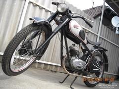 Eladó egy FELÚJÍTOTT 1950 Csepel 100 cm3
