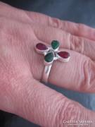 Ezüst gyűrű rubinnal, smaragddal