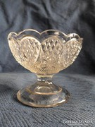 Díszes antik üveg talpas kehely, felső átm 9,5 cm, mag: 7 cm