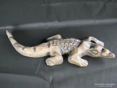 Krokodil fafaragás