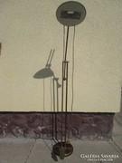 Rézből készült antik art deco állólámpa hangulatvilágítással