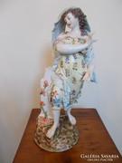 19.század Altwien porcelán. Tavaszt ábrázoló női szobor.