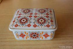 Hollóházi porcelán ékszertartó doboz boszorkányhínzésmintás