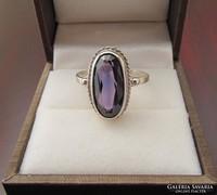 Régi ezüst gyűrű lila kővel