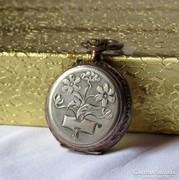 Medálként is használható ezüst zsebóra gyönyörű mintázattal