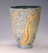 Gorka Lívia váza hal figurákkal